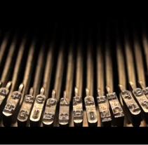Typewriter cv . Un proyecto de Diseño, Motion Graphics, 3D y Fotografía de Alba Rodellar - Miércoles, 03 de marzo de 2010 17:30:45 +0100
