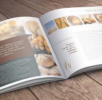 Brochure Louis Baking. Un proyecto de Dirección de arte, Gestión del diseño y Diseño gráfico de le  dezign - Martes, 21 de junio de 2011 00:00:00 +0200
