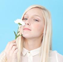 Girl. Um projeto de Fotografia de Maria Mathison         - 22.11.2012