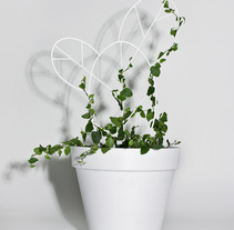 Plant Support. A Design project by nueve  - 03-11-2013