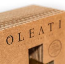 Diseño Packaging - Oleati. Un proyecto de Diseño, Dirección de arte, Br, ing e Identidad, Diseño gráfico, Packaging, Post-producción y Diseño de producto de Irene Rubio Baeza         - 03.02.2014