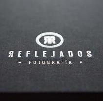 Diseño y aplicación de imagen corportiva para Reflejados. A Br, ing, Identit, Editorial Design, and Graphic Design project by popmedia         - 25.03.2014