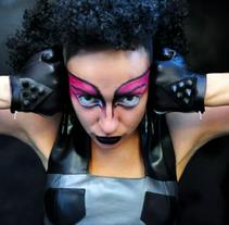 """""""Decadencia Pop"""" Promo Colección Otoño Invierno 2010-2011.. Um projeto de Motion Graphics de Mario Zarur         - 14.05.2010"""