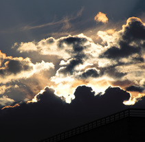 Through fire clouds. Un proyecto de Fotografía de VitoDesArts - 17-05-2014