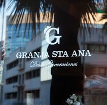 Granja Sta. Ana. Un proyecto de Br, ing e Identidad y Tipografía de Salvartes  Diseño de Identidad y Packaging  - 24-10-2011