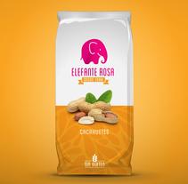 Restyling frutos secos Elefante Rosa. Un proyecto de Br, ing e Identidad y Packaging de Jose Mª Quirós Espigares - Martes, 12 de agosto de 2014 00:00:00 +0200