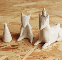 Gorditos de arcilla.. Un proyecto de Diseño de personajes, Artesanía y Escultura de Dana Riesgo  - 29-09-2014