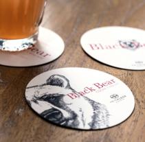 Black Bear. Un proyecto de Br, ing e Identidad y Diseño editorial de Indice  - Martes, 01 de julio de 2014 00:00:00 +0200