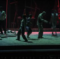 Perros en Danza (diseño de escenografía, iluminación y fotos). Um projeto de Design, Fotografia, Design de iluminação e Design de cenários de Marta Cofrade         - 18.06.2015