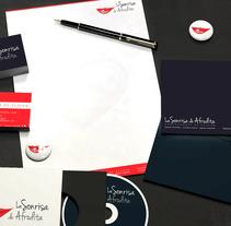 La Sonrisa de Afrodita. Un proyecto de Diseño gráfico de Ana Mareca Miralles         - 28.04.2014