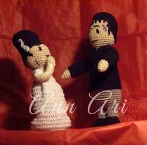 Amigurumis de Ann Ari a crochet.. A Character Design, Crafts, To, and Design project by Ana Abraira - 15-02-2016