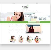 Web Beatriz Larrea Health Coach. Un proyecto de Diseño, Dirección de arte, Diseño Web y Desarrollo Web de Alex Blanco Asencio - 01-10-2017