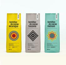 Packaging Cacao Nómada. Un proyecto de Br, ing e Identidad, Packaging y Caligrafía de Borja Junguitu - 09-01-2017