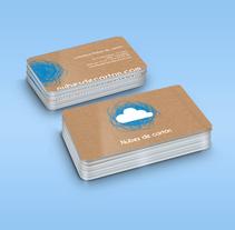 Identidad ludoteca Nubes de cartón. Un proyecto de Diseño, Br, ing e Identidad, Educación, Diseño gráfico y Naming de Anna Higueras Goold         - 25.05.2015
