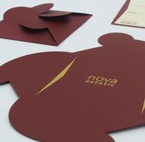 Tarjeta regalo y sobre. Un proyecto de Diseño, Br, ing e Identidad, Diseño gráfico, Packaging y Diseño de producto de Luis Miguel Munilla Gamo - 18-11-2014
