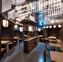 Hikari Yakitori Bar. A Interior Architecture&Interior Design project by Masquespacio  - 01-01-2017